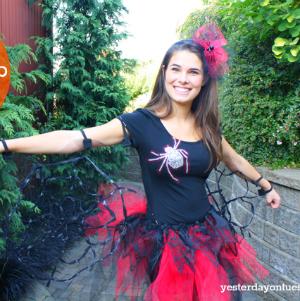 http://yesterdayontuesday.com/2013/10/diy-black-widow-spider-costume/